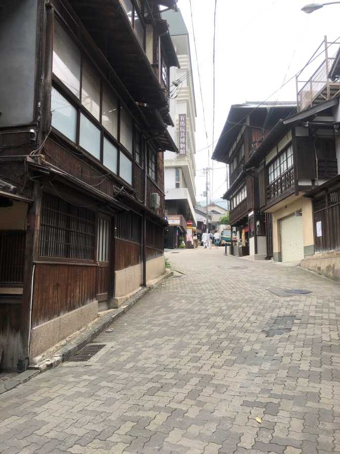I like to quietness of the streets of Arima-onsen