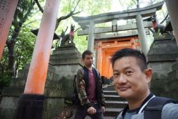 Starting our descend on Mt Inari