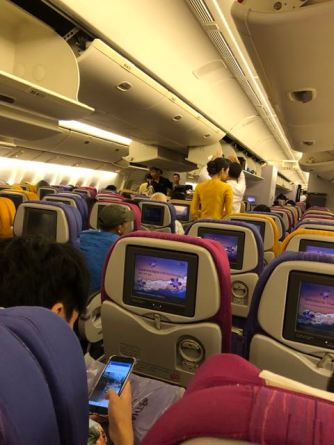 Thai Airways B777-300 Economy Class cabin
