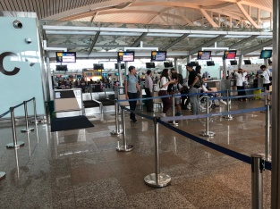 Malaysia Airlines uses five check-in counters in Bali Airport