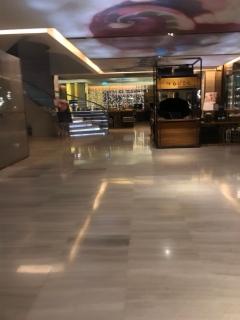Lobby area in Hilton Sukhumvit Bangkok