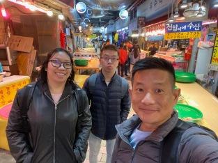 Taking a wefie in Dongmun Market