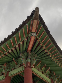 Under roof of one of the buildings in Hwaseong Haenggung