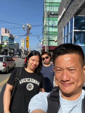 Taking a wefie on the streets of Gyeongju City