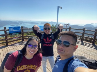 One last wefie at the summit of Mireuksan before heading down