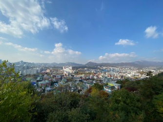 Stunning view of Seoul from Naksan Park