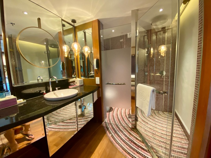 Overview of the bathroom in the Prestige Suite